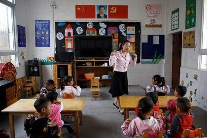 Clases en la Provincia de Sichuan, en China. Septiembre del 2020. REUTERS/Tingshu Wang