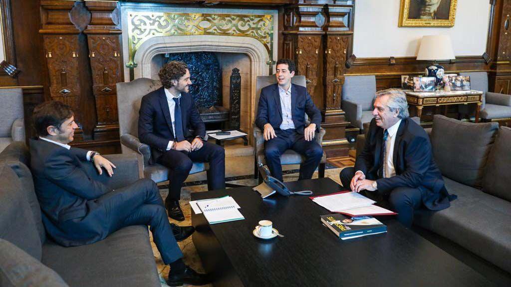 Axel Kicillof, Santiago Cafiero, Wado De Pedro y Alberto Fernández, en la Casa Rosada