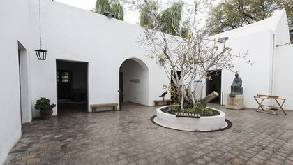 El patio de la casa de  Sarmiento. En el centro, un retoño de la famosa higuera.