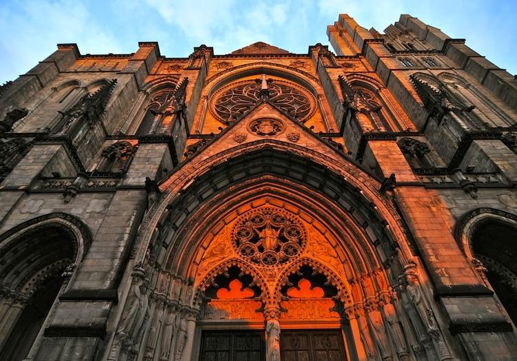 Una imponente catedral de Nueva York será usada como hospital de ...