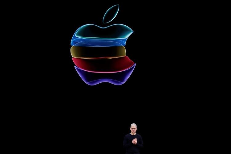Tim Cook, CEO de Apple (REUTERS/Stephen Lam/File Photo)