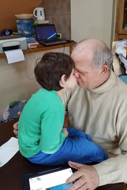 Lautaro y su abuelo Omar Fritz