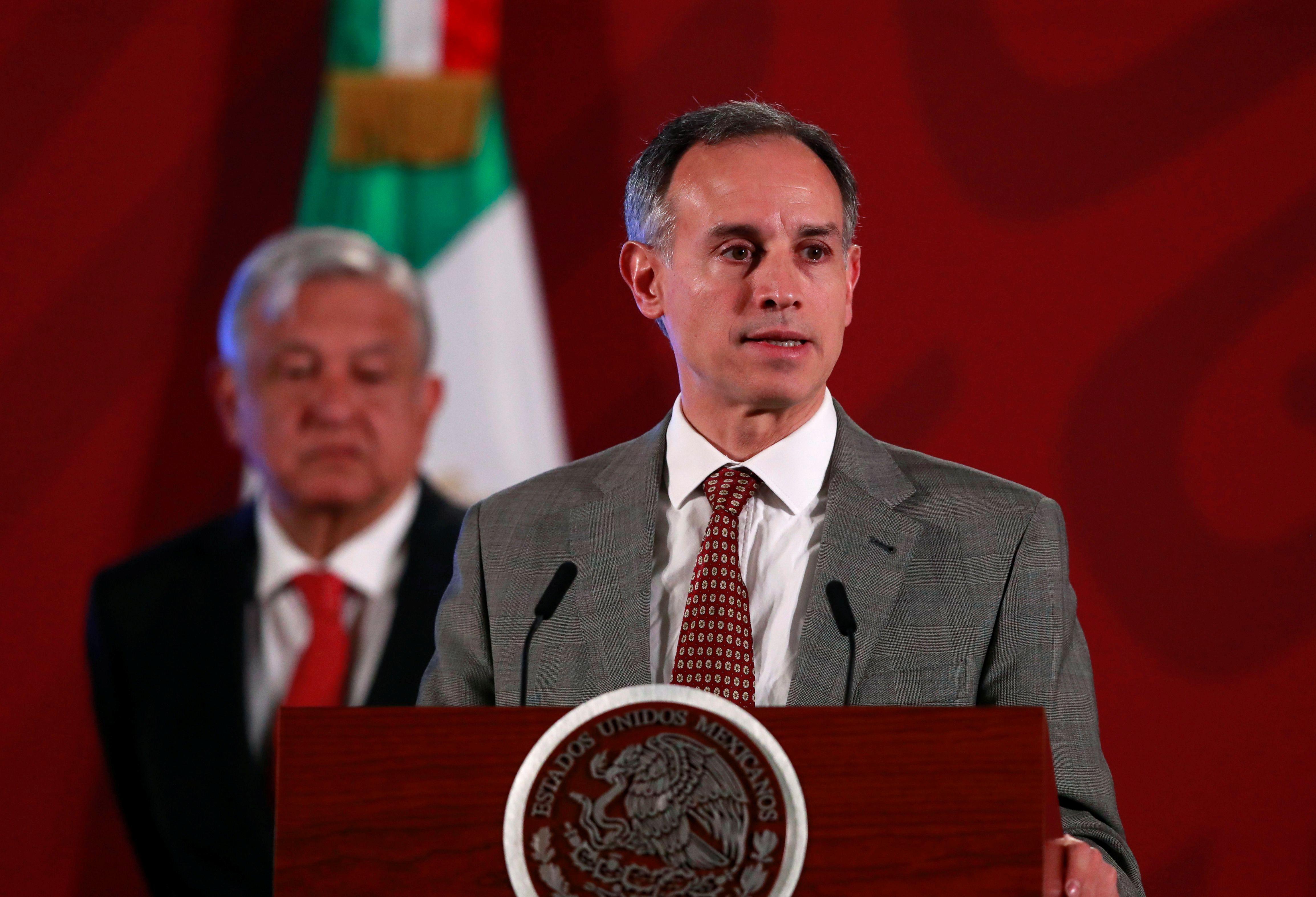 El subsecretario Hugo López-Gatell durante la conferencia matutina en Palacio Nacional para dar informes sobre el progreso del virus COVID-19 en México (Foto: REUTERS/Henry Romero)