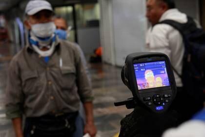 Hoyos criticó a López Obrador por desperdiciar tiempo en las acciones contra el Covid-19. (Foto: Henry Romero/Reuters)