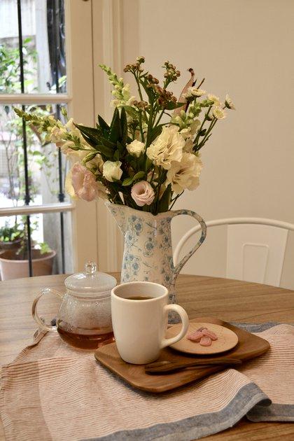 Entre los beneficios de las plantas se encuentra la relajación, la jardinería en el hogar puede combatir el estrés, incluso mejor que otras actividades de ocio