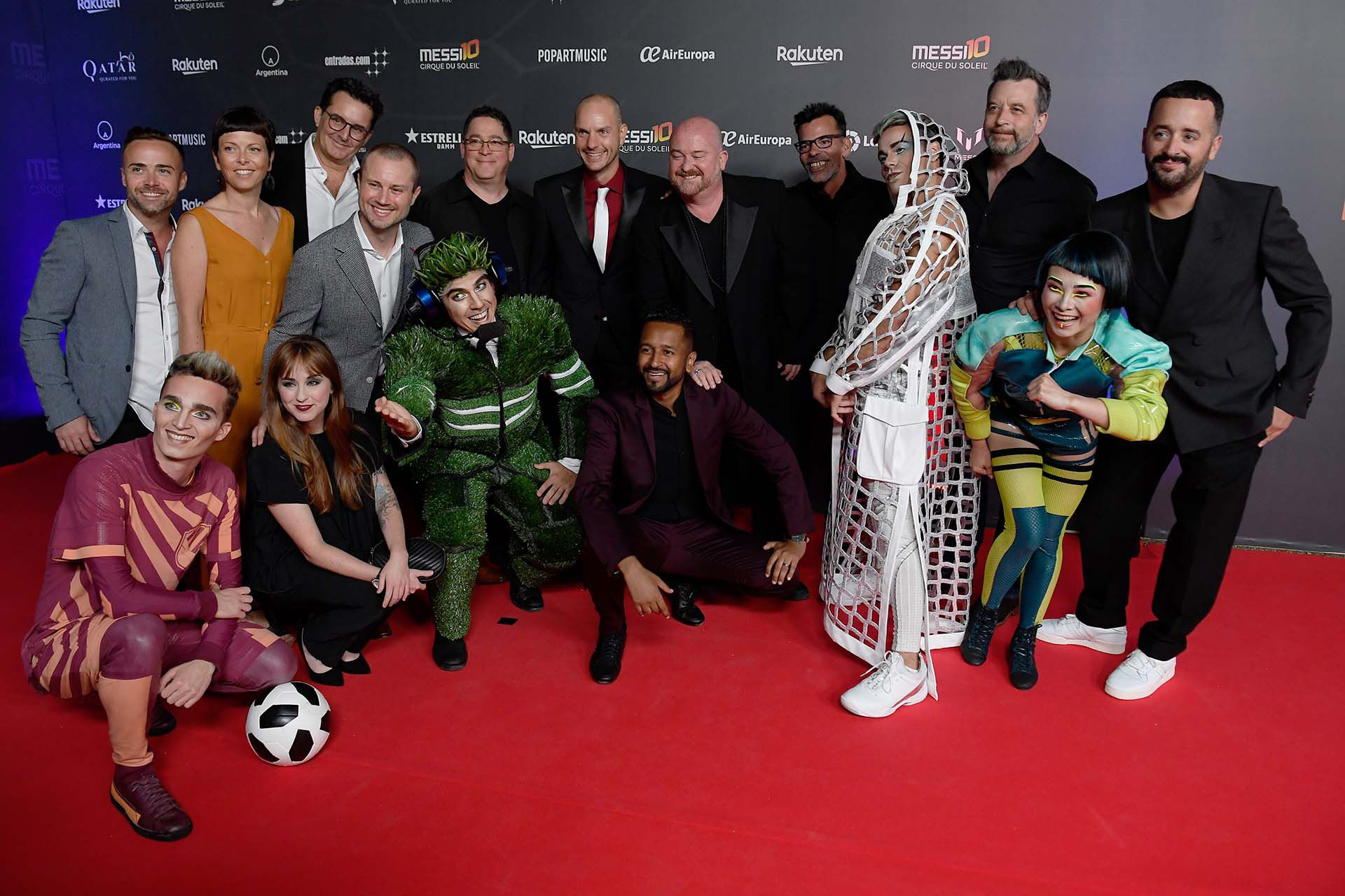 "Director Mukhtar Omar Sharif Mukhtar (C) poses with the creation team on the red carpet during the premiere of Cirque du Soleil's latest show ""Messi 10"" inspired by Argentinian football star Lionel Messi in Barcelona on October 10, 2019. (Photo by Josep LAGO / AFP)"