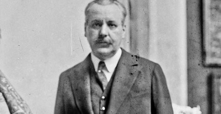 Maurice de Waleffe, escritor y periodista, creador del concurso Miss France