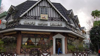 El Café de los Incas, un espacio donde convivieron más de 200 etiquetas en una barra de lujo