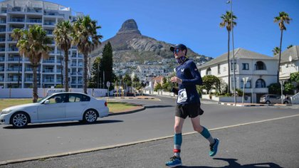 Fiennes alcanzó varias hazañas de resistencia en su momento impensadas. (Facebook World Marathon Challenge)