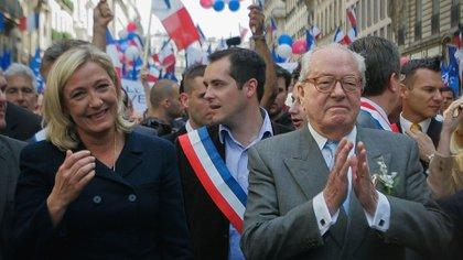 Marine y Jean Marie Le Pen (Getty Images)