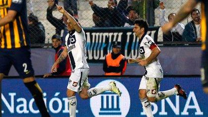 Morales debutó en la CAI de Comodoro Rivadavia y también jugó en Chacarita, Quilmes y Huracán (Foto Baires)