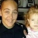 Cassie Barker y su pequeña hija
