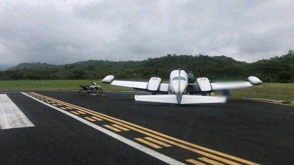 El fiscal ecuatoriano aseguró que la aeronave provenía de México, y tenía las intenciones de cargarse (Foto: Policía de Ecuador)