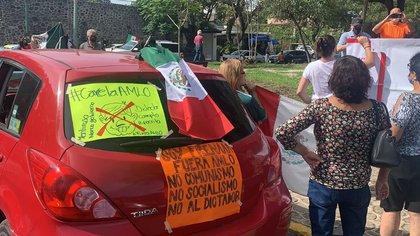 Protestas AntiAMLO en Cuernavaca (Foto: @VeroBacaz)