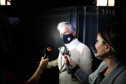 El padre de Juana y Nacho Viale habló con la prensa antes de ingresar a la cena por el festejo del cumpleaños número 94 de Mirtha Legrand