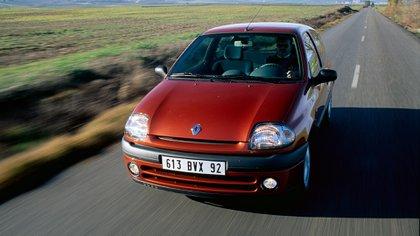 Dans la région, avec de nombreux changements, il a été commercialisé jusqu'en 2016 (Renault)