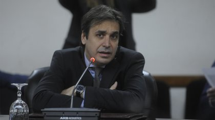 juez Alejo Ramos Padilla (Dino Calvo)