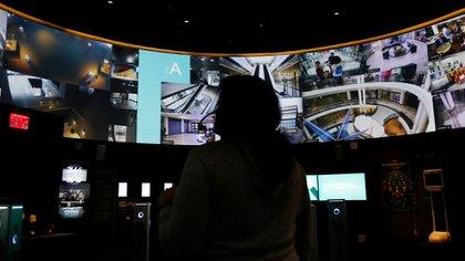 La vigilancia como base del modelo de negocios de Internet, pero sin la necesidad de cámaras (AP)