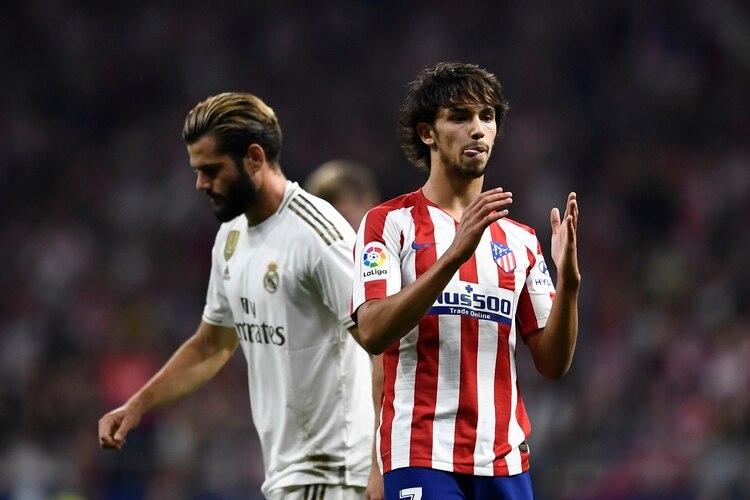 Joao Felix fue uno de los jugadores más activos en el primer tiempo del duelo entre Atlético y Real Madrid (AFP)
