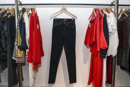 Demin couture a $1.099