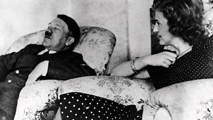 Adolf Hitler y su esposa Eva Braun.