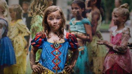 Fotografía de la campaña fotográfica #SoyPrincesaSiendoYo de Disney para promover el empoderamiento de las niñas (Kate Parker)