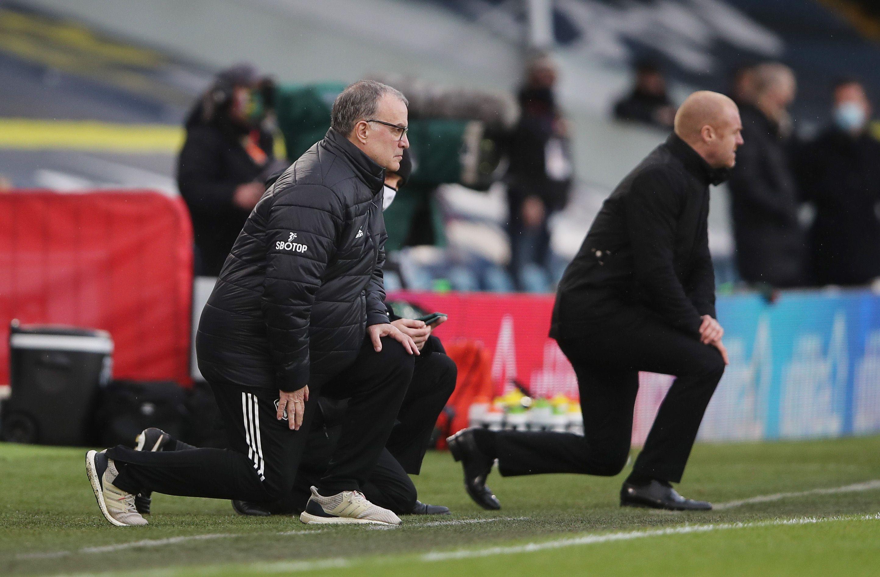 Sean Dyche y Marcelo Bielsa en la previa de un Leeds-Burnley (Foto: Reuters)