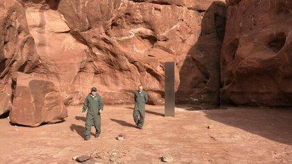 El extraño monolito fue encontrado por pilotos que hacían un sobrevuelo por el desierto de Utah buscando borregos cimarrones.