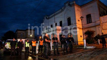 Adentro: el penal de Dolores en la madrugada del traslado de los acusados. (Nicolás Aboaf)