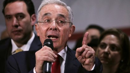 Con Uribe a la cabeza, Centro Democrático se reúne para decidir si apoya o no la Reforma Tributaria de Duque