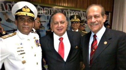 Cabrera Aguirre (Der), Diosdado Cabello (centro) y Alm Pinto Blanco (Izq)