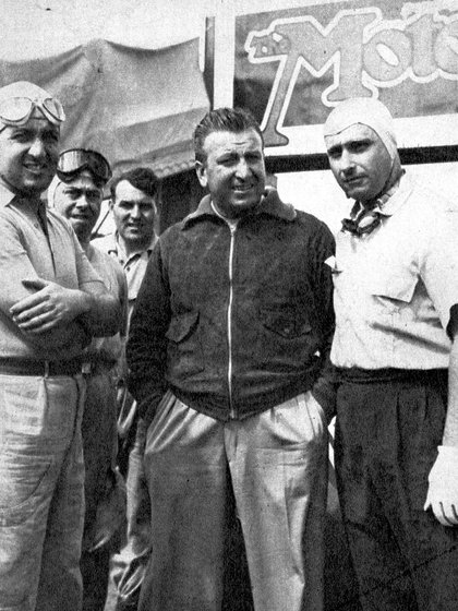 Alberto Ascari (izquierda) y Juan Manuel Fangio (derecha) (Archivo CORSA).