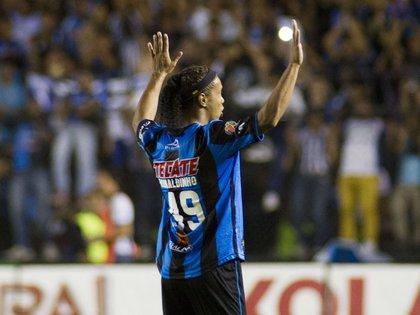 Su paso con los queretanos tiene muchas historias, que van desde escándalos por irse de fiesta en medio torneo hasta su derrota en una final de la Liga MX (Foto: AFP)