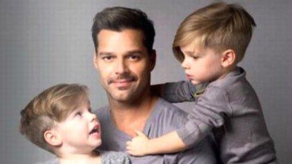 En agosto de 2008, se convirtió en el padre de dos niños gemelos, Matteo y Valentino. El 31 de diciembre de 2018, anunció en nacimiento de su hija, Lucia, y el 29 de octubre de 2019, el de su hijo, Renn
