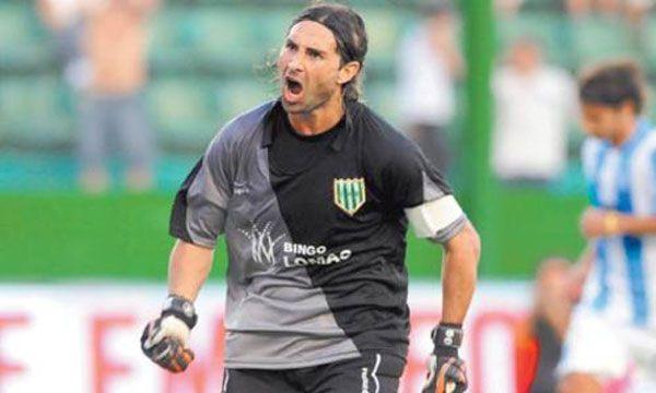 Cristian Luchetti debutó en Banfield en partido contra el Boca de Bilardo, que cayó tres a uno y apuró la salida de técnico por malos resultados.