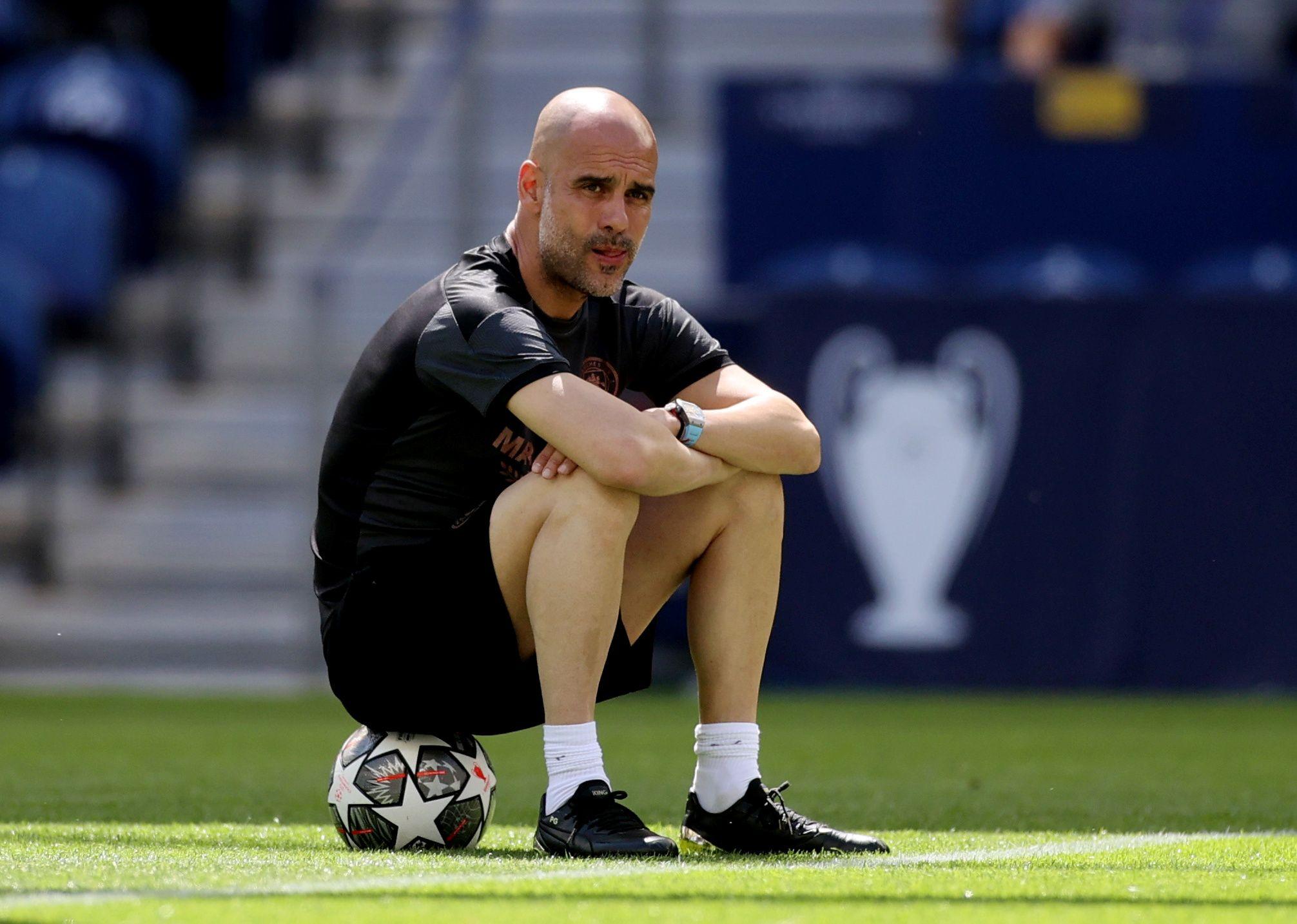 Pep Guardiola tiene contrato hasta 2023 con el Manchester City, por lo que aún tiene tiempo para ganar la Champions League con el elenco inglés (Reuters)
