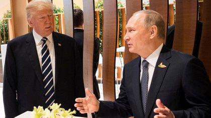 Trump y Putin, durante la cumbre del G20 en Alemania (Reuters)