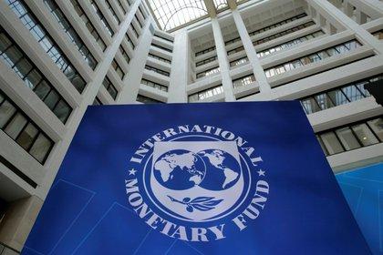 La primera cuestión sobre la mesa es la del FMI, por la urgencia que le ha asignado el Gobierno y porque de su modo de resolución depende la ejecución de la política económica diseñada (Reuters)