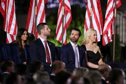 Donald y Eric Trump, la línea férrea que no admitiría una derrota (Reuters)