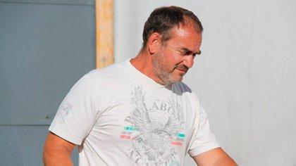 Marcial, padre de Thomsen, al salir de la cárcel de Dolores