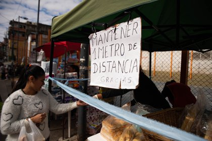 """El aislamiento dentro de las villas y barrios vulnerables funciona en una suerte de """"cuarentena comunitaria"""""""