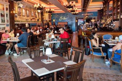Vista de un restaurante en Little Havana, Miami, (EFE/Cristóbal Herrera)