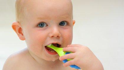 El control anual con el odontologo asegura notablemente la reducción de posible enfermedades bucales (iStock)
