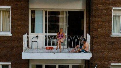 Utilizar la ventilación natural, abriendo las ventanas, una de las recomendaciones de la OMS (Foto: Franco Fafasuli)