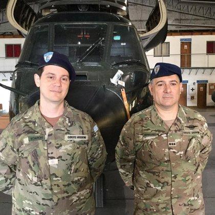 El subteniente Mariano Sciaroni y el coronel Luis Bennardi, responsables de la investigación sobre el helicóptero Alfa Eco 505