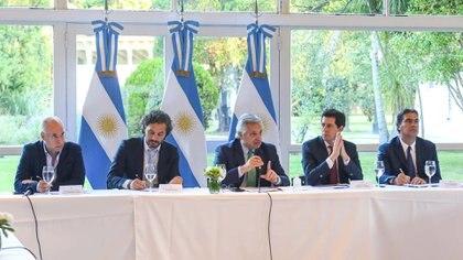 El Presidente encabezó una reunión en la Quinta de Olivos con la mayoría de los gobernadores del país (Presidencia)