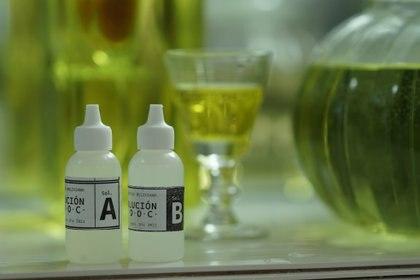 La Farmacia Boliviana, en Cochabamba, vende el producto objetado por la comunidad médica - REUTERS/Danilo Balderrama