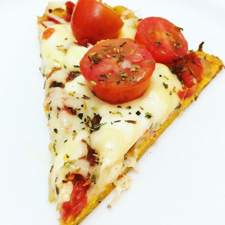 Pizza con masa de zanahoria