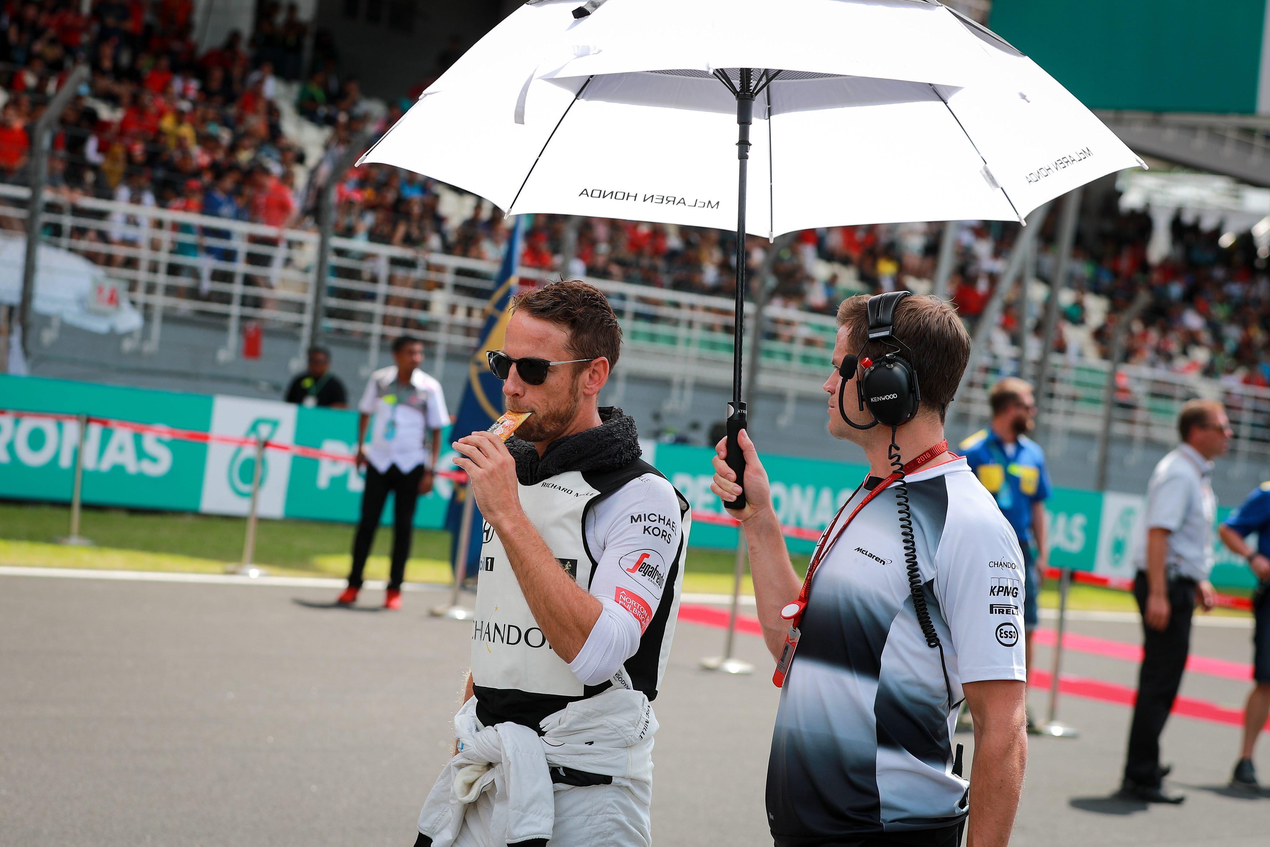 Jenson Button (i). EFE/EPA/DIEGO AZUBEL/Archivo