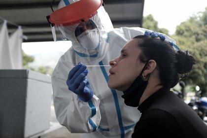 Las pruebas de antígeno revelan el resultado en 30 min. (Foto: EFE)
